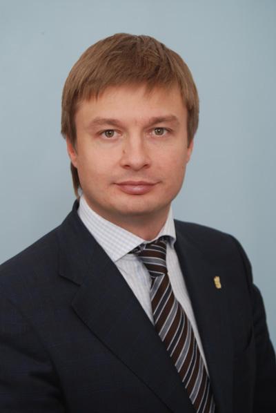 """Кізін: """"Янукович знімає з українців останню сорочку!"""""""