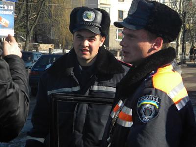 """Коростенська ДАІ """"пресує"""" журналіста """"Суботи""""!"""