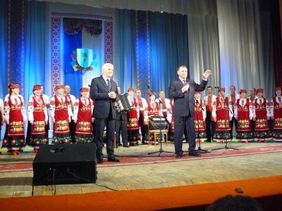 Рижук порадів на сцені землякам Литвина