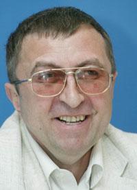 Помер письменник та журналіст Валерій Нечипоренко