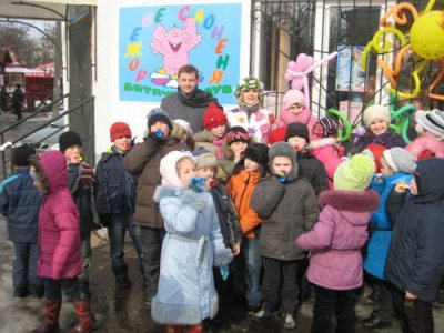 """""""Фронт змін"""" годував млинцями дітей у Бердичеві"""