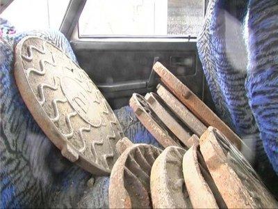 У Бердичеві затримали авто, яке везло люки