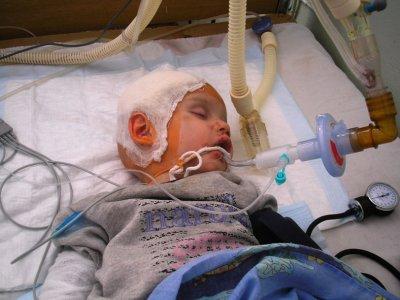 Забила трехлетнего приемного сына до полусмерти...
