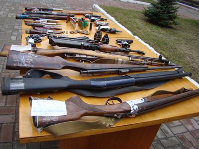 МВС назбирало за березень 182 одиниці зброї