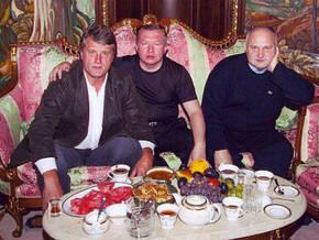 Ющенко божиться, що не брав грошей у Сацюка