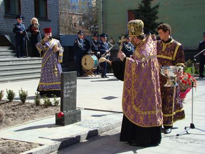"""Міліція вшанувала пам'ять своїх """"чорнобильців"""""""