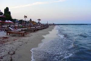 В Одесі масово закривають пляжі