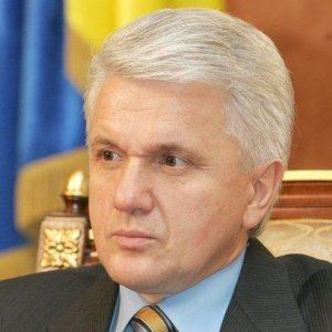Литвин попросив охорону забезпечити в сесійній залі присутність тільки народних депутатів