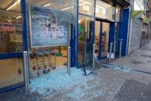 Мародеры бесчинствуют на улицах британских городов (ВИДЕО)