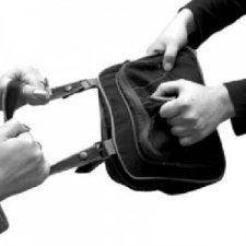 В Житомирі знову відкрито грабують на вулицях міста
