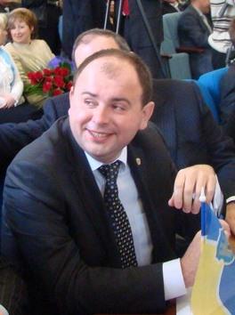 «Фронт Змін», чтобы обелить однопартийца, «наедет» на мэра