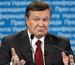 Янукович нагородив мера, який сидить під арештом за хабарництво
