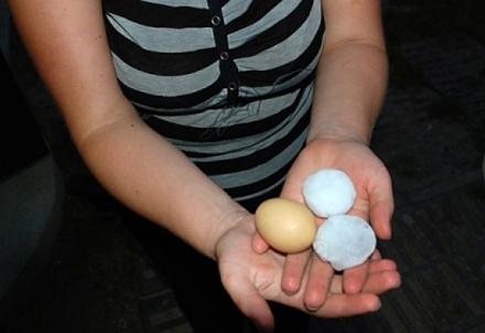 На Львівщині падав град розміром, як куряче яйце. ФОТО
