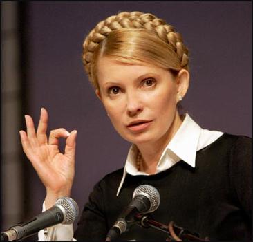Кузьмін: Тимошенко сидить в камері з кондиціонером і плазмою