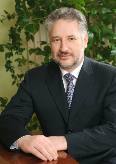 Жебрівський обіцяє узгодити депутатів в округах