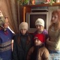 На Житомирщині 74-річна бабуся самостійно виховує чотирьох неповнолітніх внуків