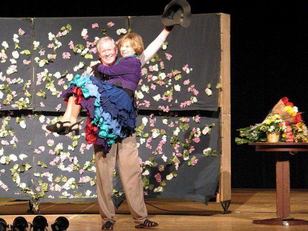 Легендарна Лія Ахеджакова зіграла на сцені Житомирського театру. ФОТО