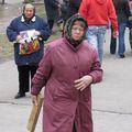 У Преображенському соборі Житомира святкують Великдень та б'ються дошками. ФОТО