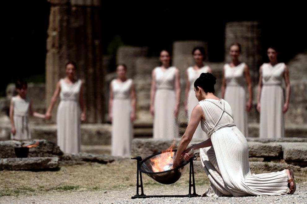 Церемонія запалювання Олімпійського вогню. ФОТО