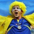 Перші ЄВРОвболівальники та волонтери почали прибувати в Україну