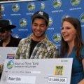 """Американець виграв у лотерею """"Тисяча доларів щотижня до кінця життя"""""""