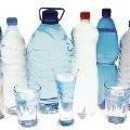 Вода у пластикових пляшках ядовитіша, ніж з-під крану - вчені