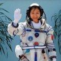 Перша китайська жінка-космонавт повернулася на Землю. ВІДЕО