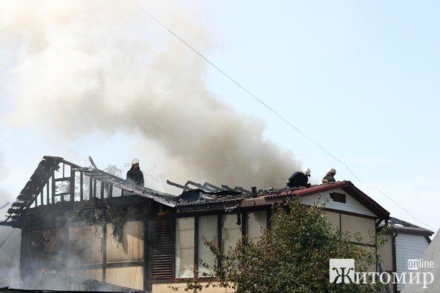 У Житомирі вщент згорів будинок