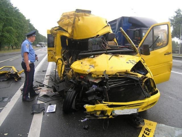 ДТП у Житомирській області: 1 людина загинула, ще 9 травмовано. ФОТО