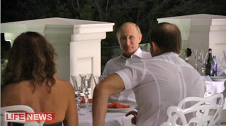 Путін після Януковича приїхав до Медведчука в маєток із фонтанами. ФОТО. ВІДЕО