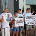 'Лікаря Тимошенко провели в аеропорт шанувальники