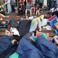 Голодувальниця втратила свідомість під Українським домом