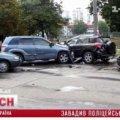 У Києві через лежачий поліцейський зіштовхнулись шість авто. ВІДЕО