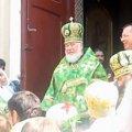 """На Рівненщині архієпископ агітував за """"регіонала"""". ВІДЕО"""