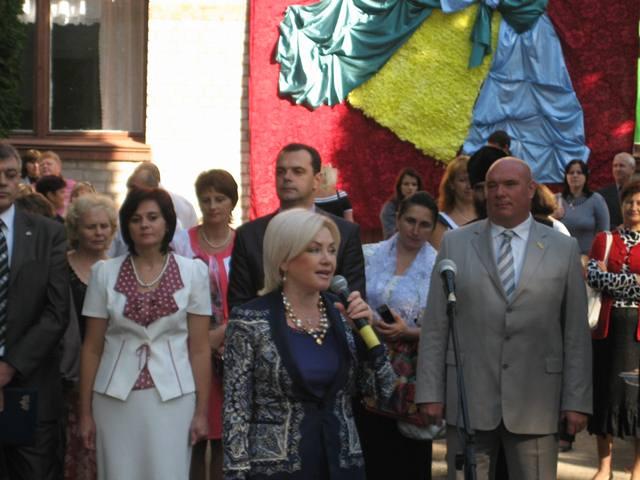 Оксана Білозір привітала школярів та вчителів м. Іршанськ зі Святом Першого Дзвоника