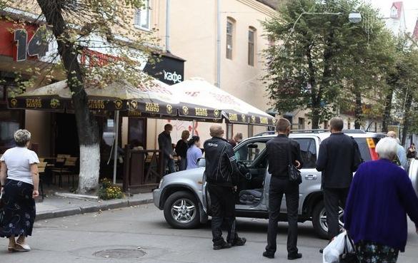 В Житомирі посеред міста затримали начальника обласного ДЗК
