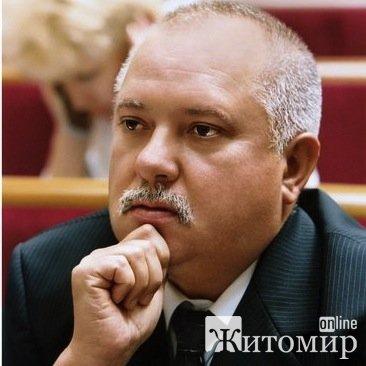 Іменем України позовні вимоги Віктора Развадовського задоволено повністю