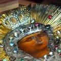 Плащаниця Божої Матері в Житомирі - тисячі віруючих, десятки автобусів та довжелезна черга в храм