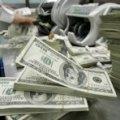 Українці не зможуть більше отримувати зарплати в доларах