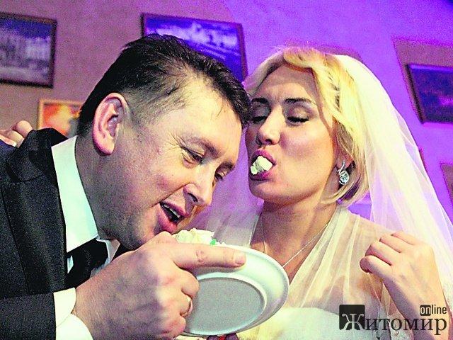 Экс-майор Николай Мельниченко сыграл свадьбу с телеведущей