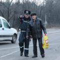 У Житомирі ДАІшники рятували пішоходів, які перетинали проїзну частину з порушеннями правил безпеки. ФОТО