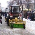 Житомирські комунальники чистять місто від снігу та льоду. ФОТО