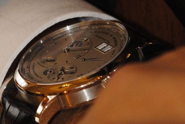 """""""Бенкет під час чуми"""" - """"регіонали"""" засвітили одні з найдорожчих у світі годинників. ФОТО"""
