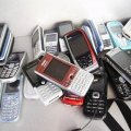 У Коростені невідомі особи намагалися перекинути на промислову зону 6 мобільних телефонів