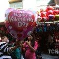 У світі День закоханих відзначають з рибами, масовим весіллям, а єгиптянам радять не святкувати