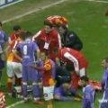 Кремезний Дрогба нокаутував суперника під час матчу чемпіонату Туреччини. ВІДЕО