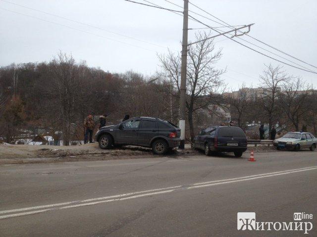Жахлива аварія у Житомирі. ФОТО