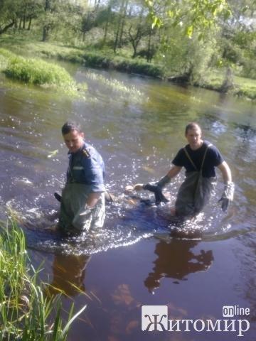 У Коростені рятувальники вилучили з водойми тіло чоловіка