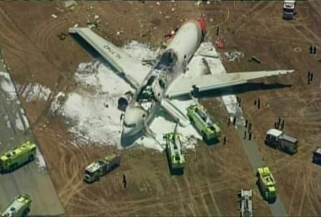 В аеропорту Сан-Франциско при посадці загорівся літак. ФОТО. ВІДЕО