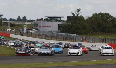 Porsche 911 встановили світовий рекорд. ФОТО. ВІДЕО